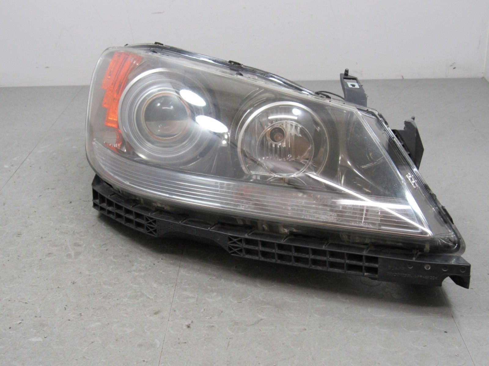 Acura RL Right RH Passenger Side Xenon HID Headlight Head - 2006 acura rl headlight replacement