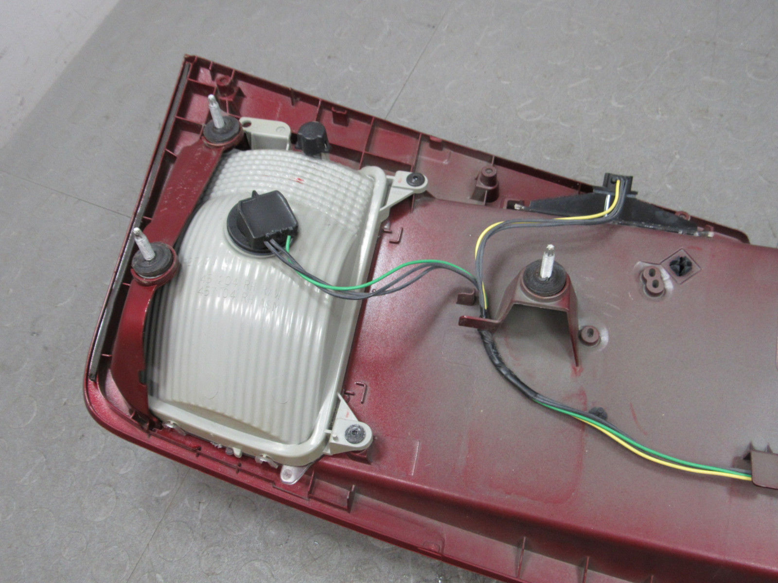 Cts Wiring Panel Detailed Schematics Diagram Main 03 07 Cadillac Trunk Tail Finish Trim Bezel License Typical Home Electrical