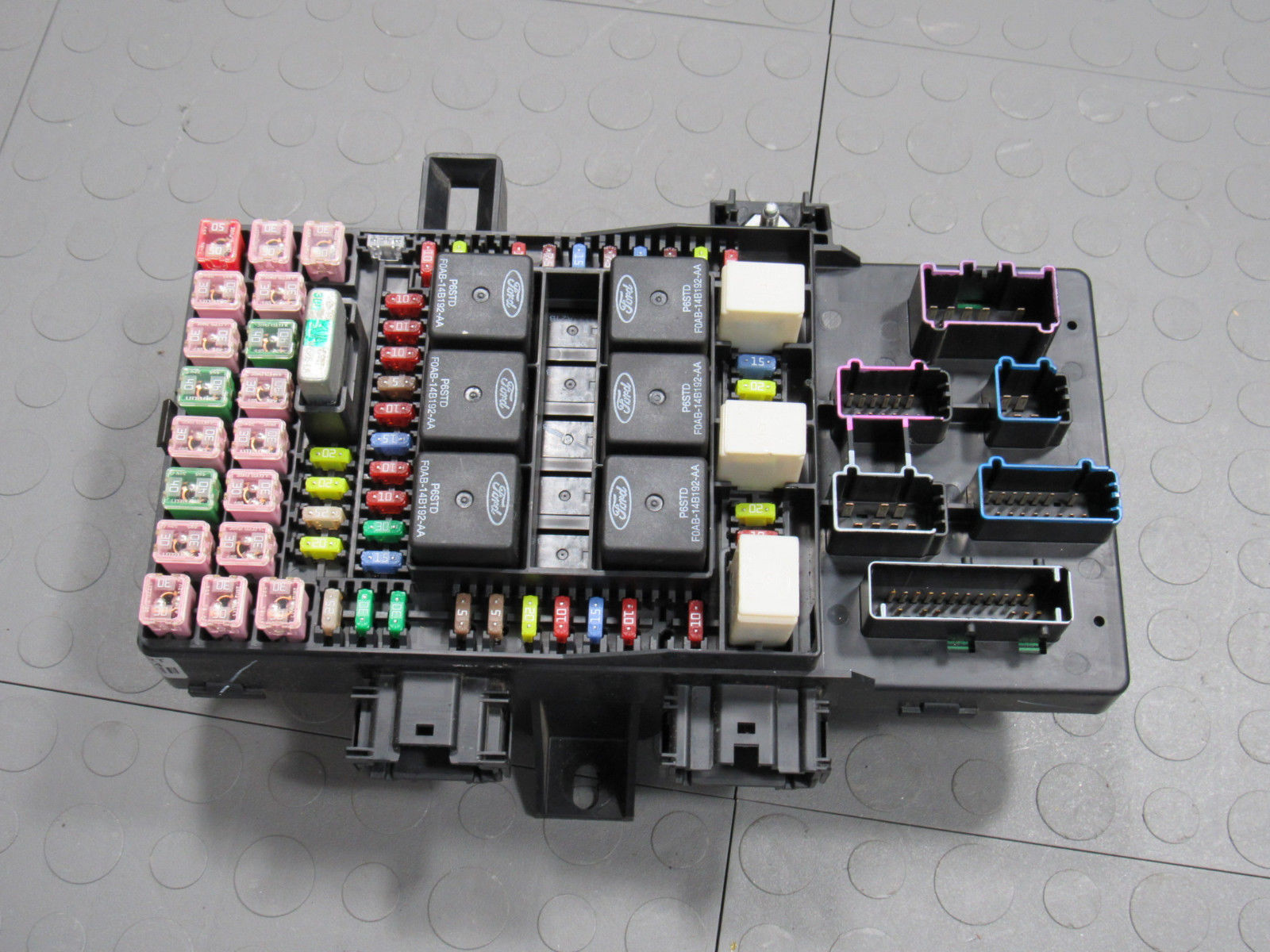 03 Expedition Navigator Interior Fuse Relay Box Block Center 3l7t Purchase 14a067 Ab Bg