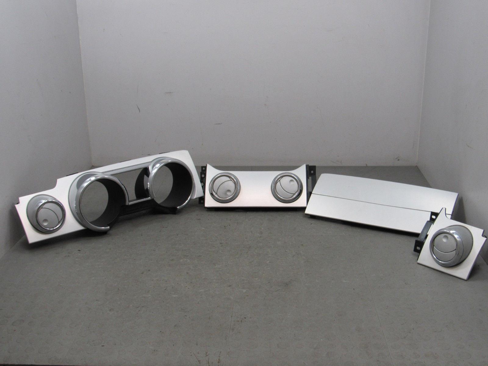 05 09 mustang gt premium silver cluster bezel dash vents airbag cover trim set m
