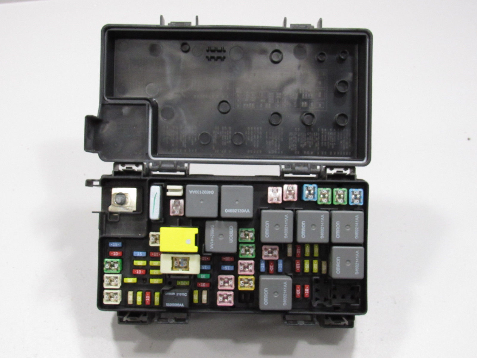 09 Liberty Nitro TIPM BCM Integrated Power Module Fuse Box Block 04692300AB  B