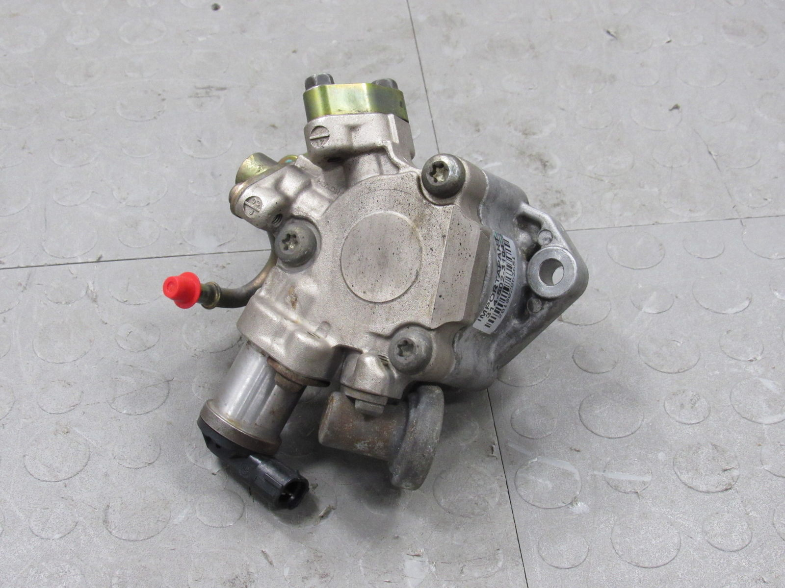 2004 Isuzu Axiom High Pressure Fuel Pump ||