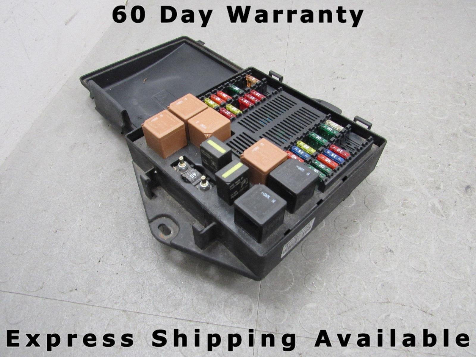 04-05 XJ8 Vanden Plas Engine Fuse Relay Box Junction Block 2W93-14A073-AE A