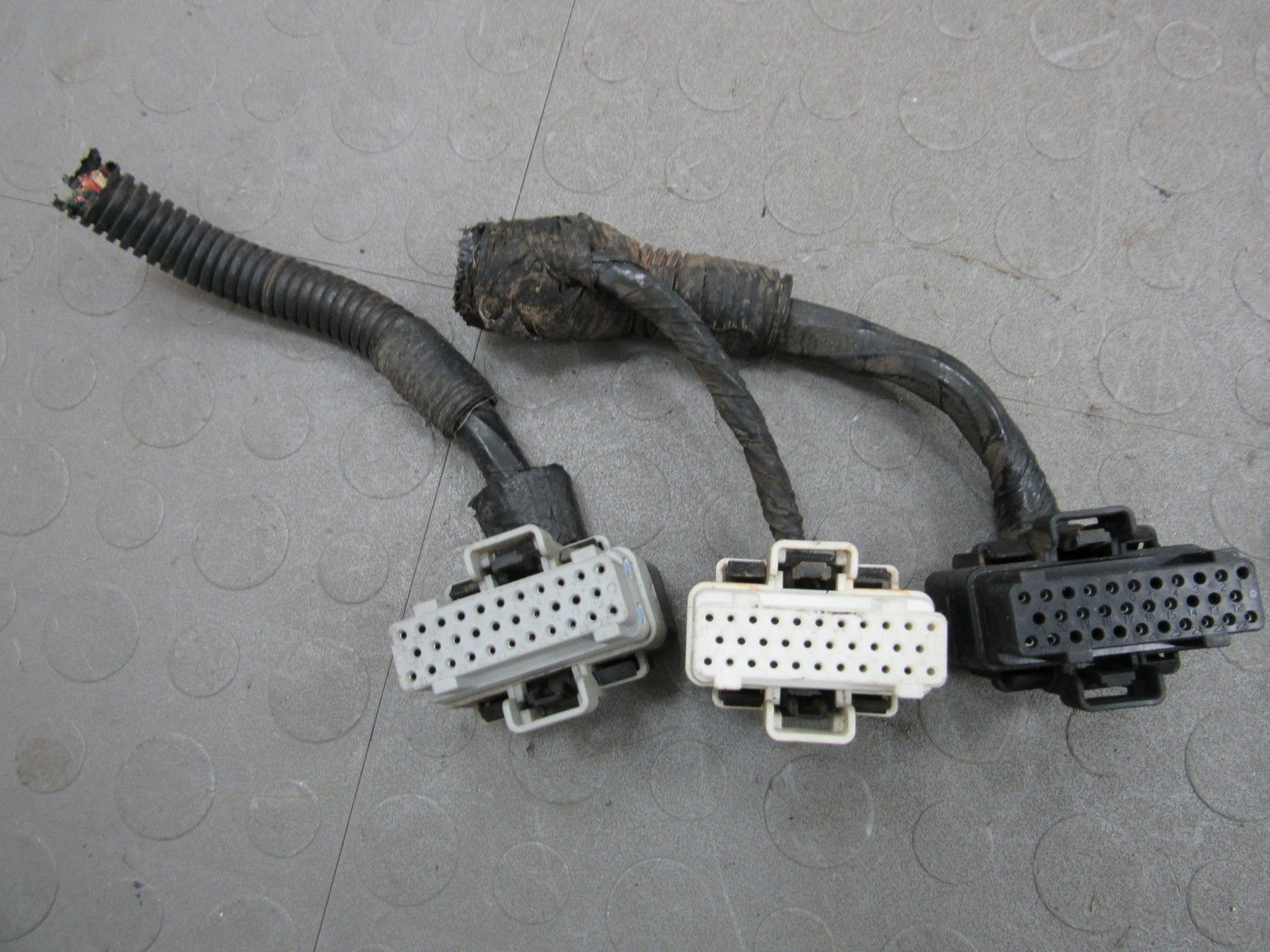 97 Cherokee Xj 25l Ecu Ecm Pcm Computer Pigtail Wire Wiring Plugs An Outlet Harness Dy