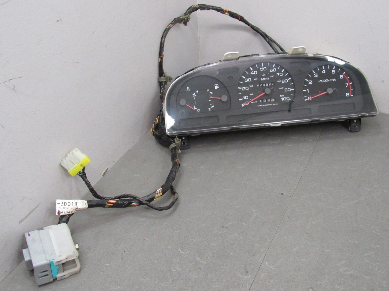 94 97 Nissan Pickup Truck Hard Body Instrument Gauge Cluster Tach Wiring Harness 220227