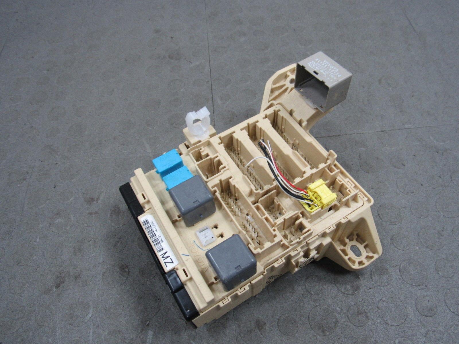 07-10 Lexus ES350 Fuse Box Relay Multiplex Module Driver Side 82730-33602 *A