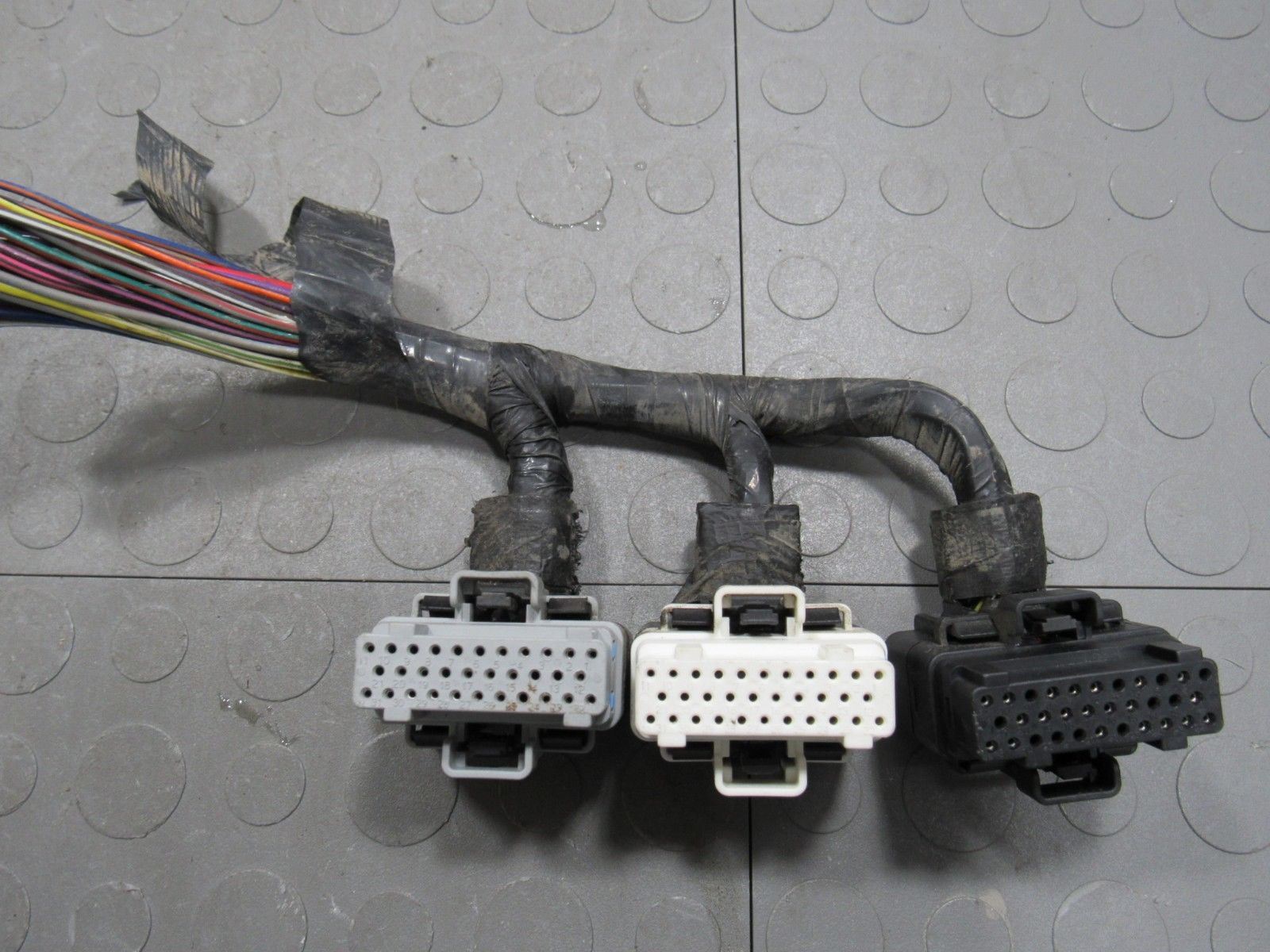 96 Jeep Cherokee 40l Ecu Ecm Pcm Computer Pigtails Wire Wiring An Outlet Pigtail Plugs Harness Ei