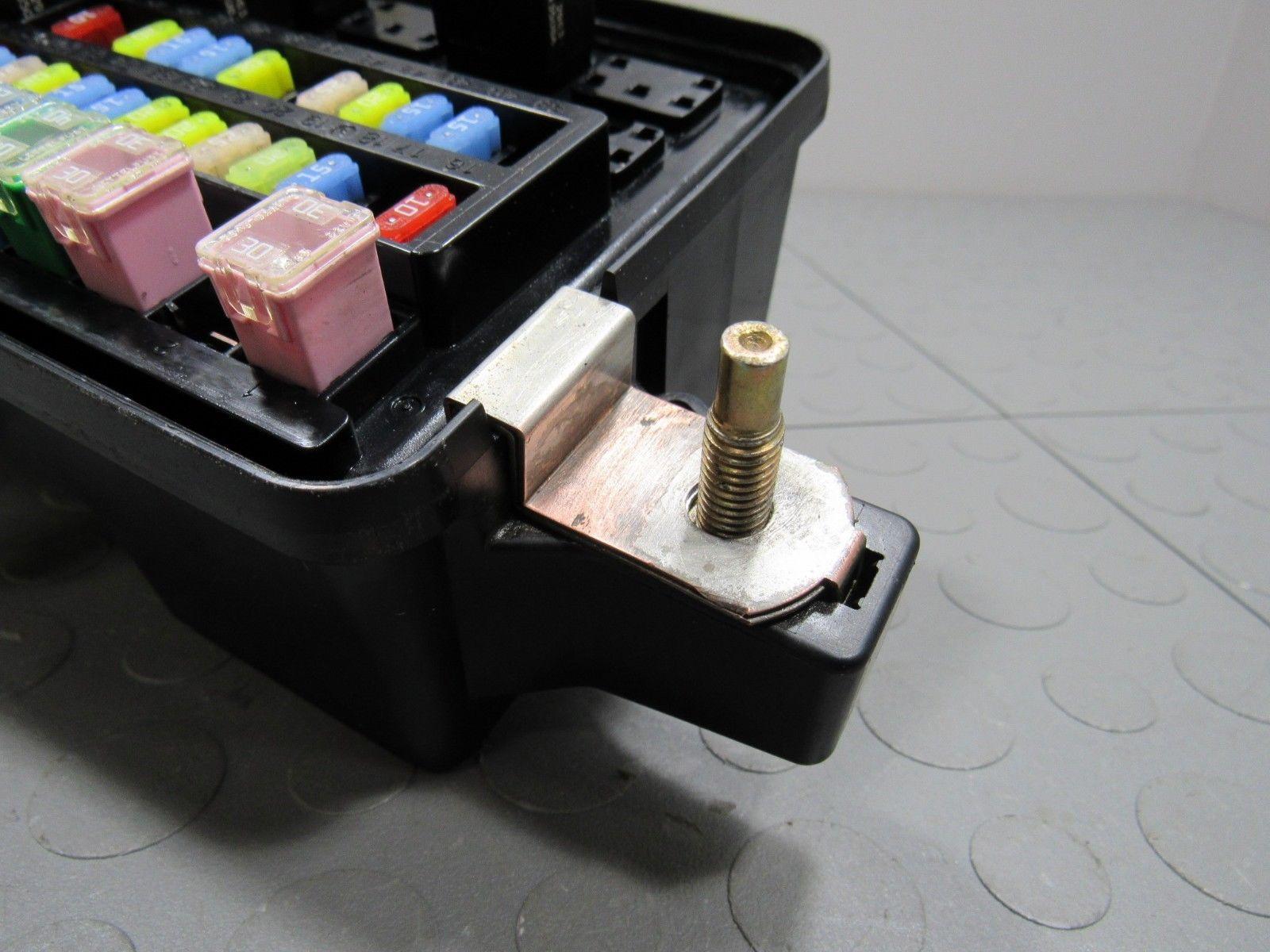 03 05 Dodge Ram Truck Ipm Integrated Power Module Fuse Block Box 56051040ad Ez