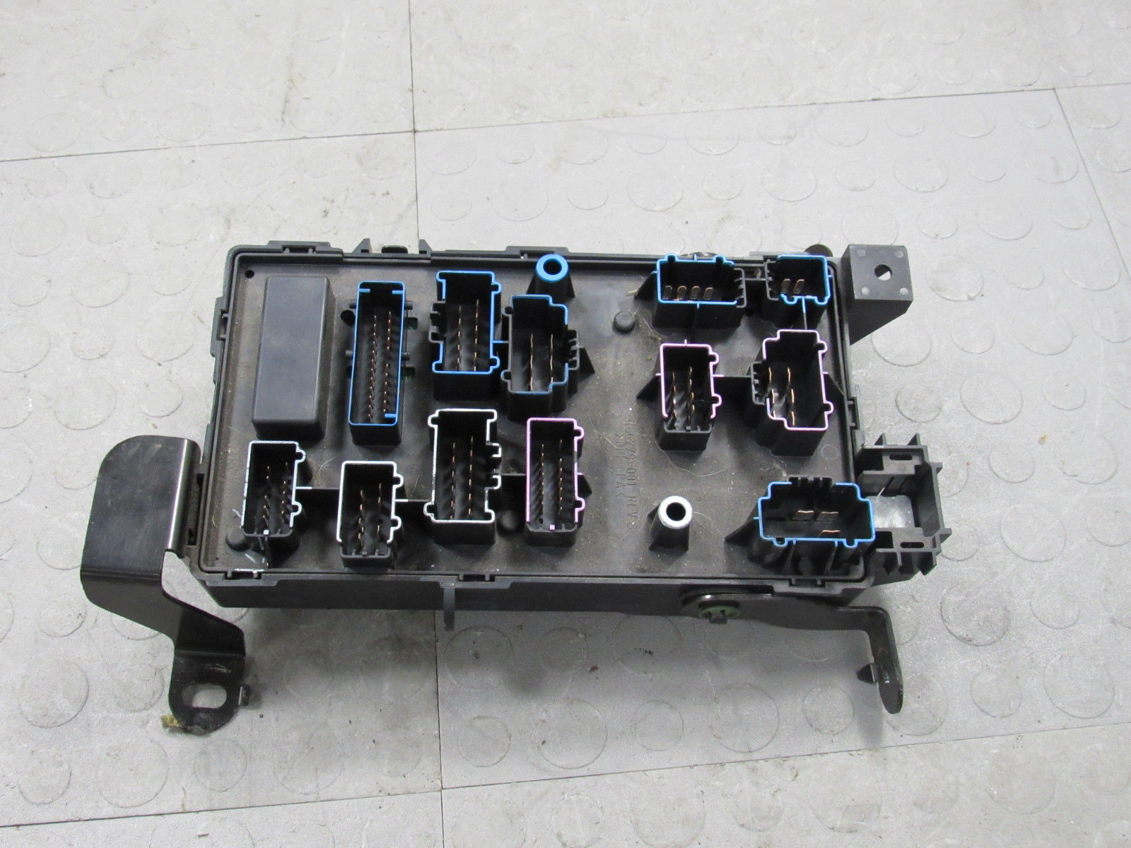 02 Ford F250 F350 Under Dash Fuse Box Junction Relay Block 2c7t Relays 14a067 An T Importapart