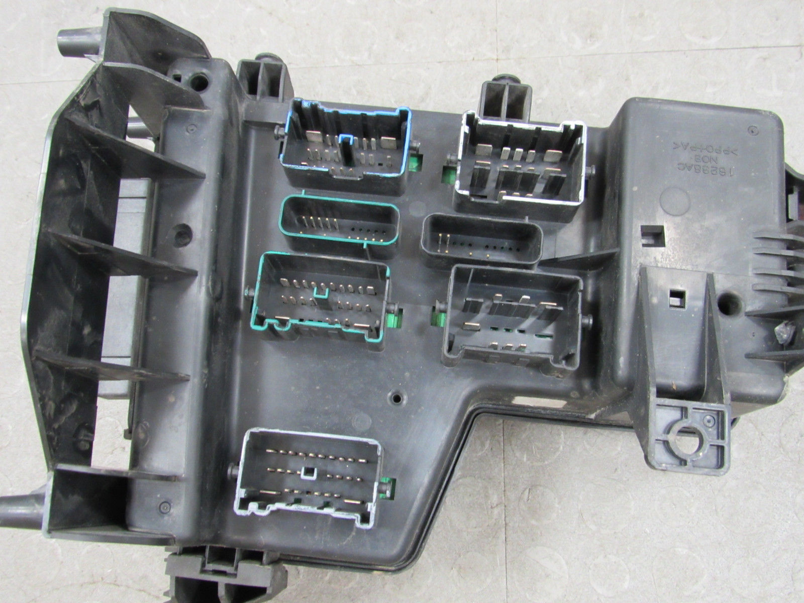 02 03 Dodge Ram Integrated Power Distribution Module Fuse Box Lexus Gs350 56049011ah El