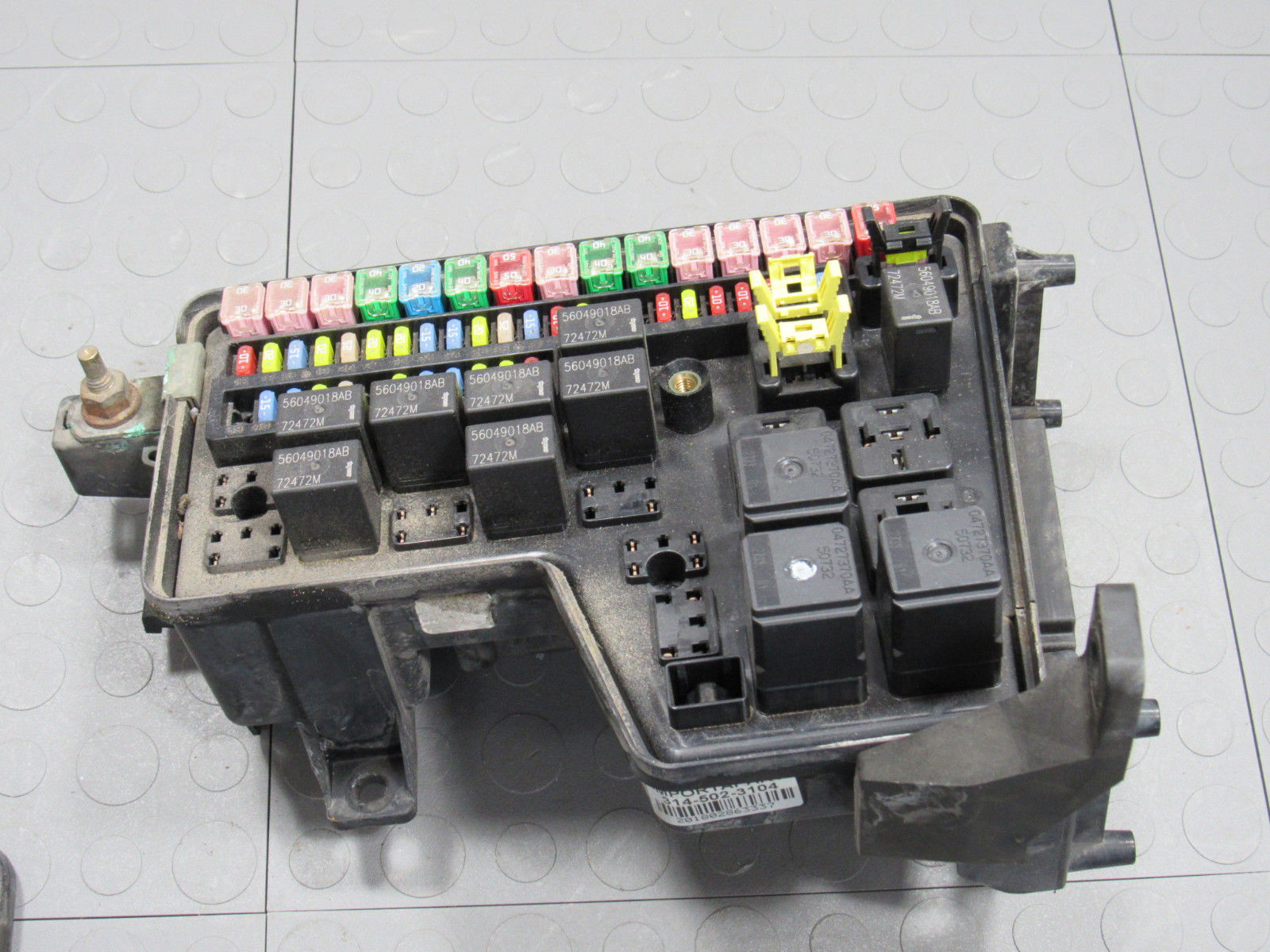 03 05 Dodge Ram Truck Ipm Integrated Power Module Fuse Block Box 56051039ad Eu